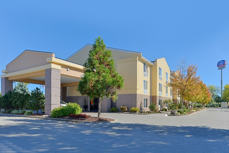 Fairfield Inn & Suites Georgetown 1 of 15