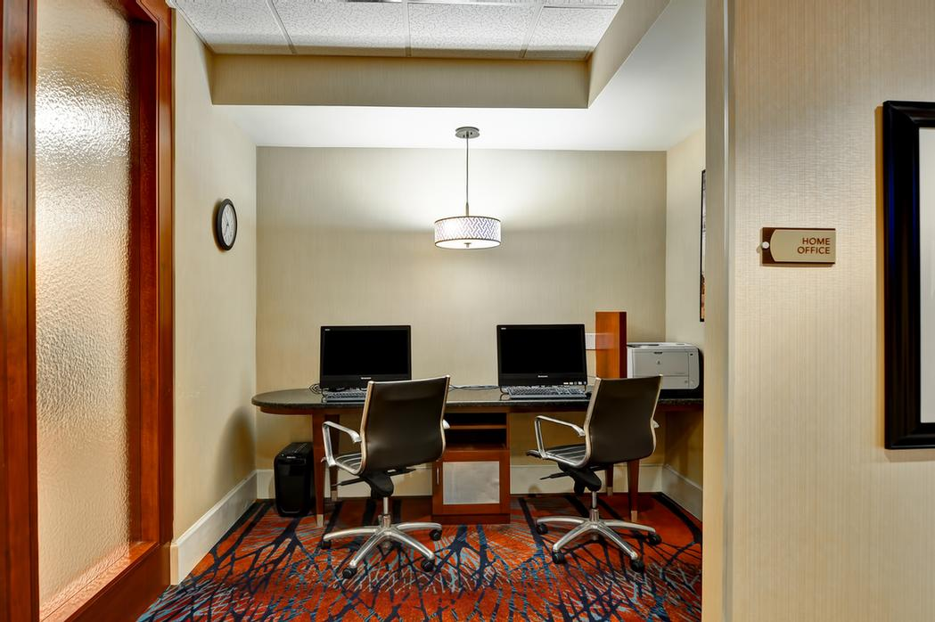 Convenient Business Center Right Off The Lobby 19 of 23