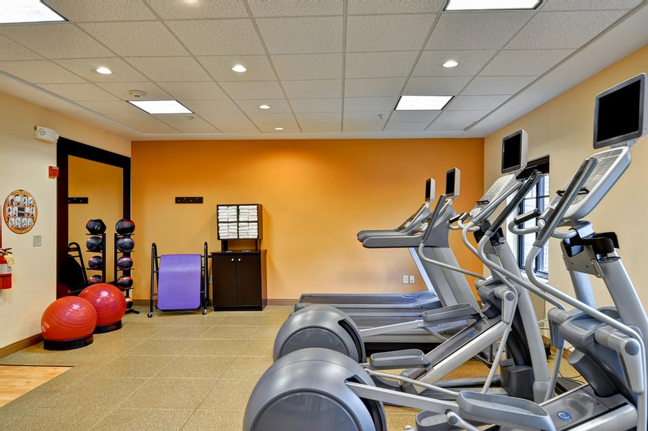 Fitness Center Keeps You On Track While Traveling 10 of 23