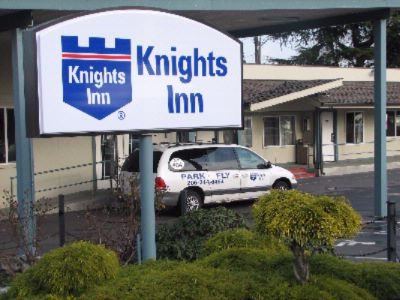 Knights Inn & Suites 1 of 10