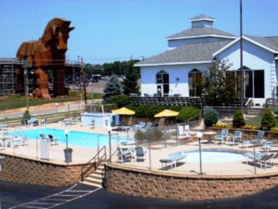 Mt.olympus Water Park Included With Stay ($15.00 Upgrade For Amusement Park)located Directly Across The Street(Save $15.00 Daily Parking Fee) 13 of 27