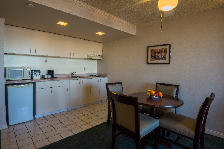 Suite -Kitchenette 5 of 24