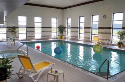 Large Indoor Swimming Pool 6 of 20