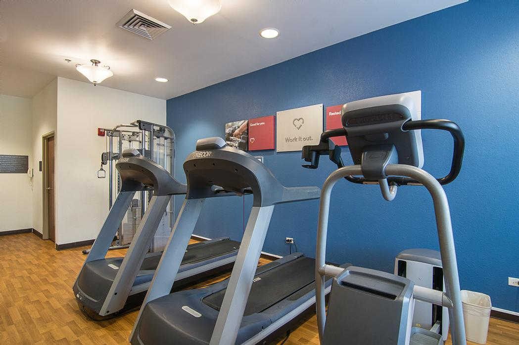Fitness Room 6 of 19