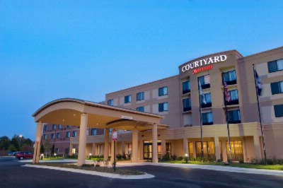 Courtyard by Marriott North Richmond 1 of 10