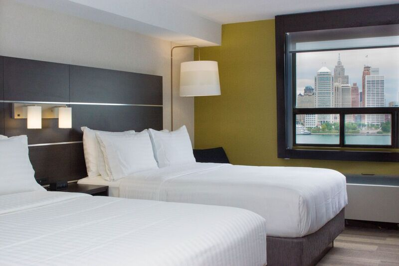 2 Beds River View Room 3 of 11