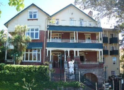 Glenferrie Lodge 2 of 11