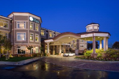West Inn & Suites Hotel