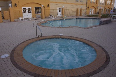 Outdoor Pool With Spa 10 of 15