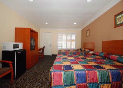 Spacious Suite With Added Amenities 16 of 23
