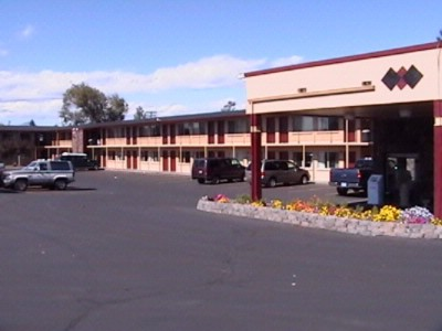 Econo Lodge 1 of 4