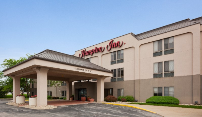 Hampton Inn Cedar Rapids 1 of 10