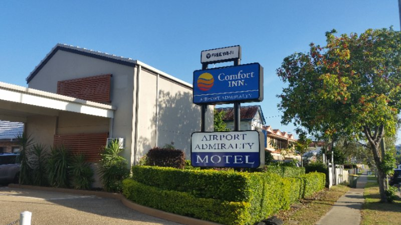 Comfort Inn Airport Admiralty 1 of 3