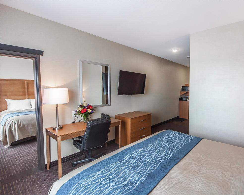 Family Suite Room 8 of 13