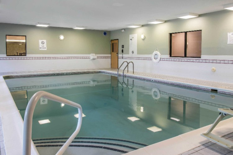 Heated Indoor Swimming Pool 5 of 10