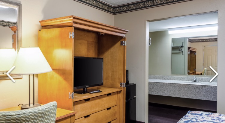 Rooms Comes Standard W/ Microwave & Fridge 3 of 5