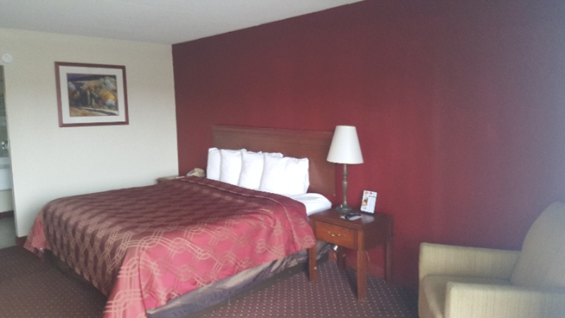 Guest Room With King Bed 5 of 7