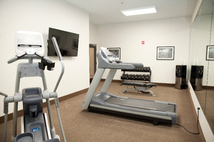 Fitness Room 7 of 7