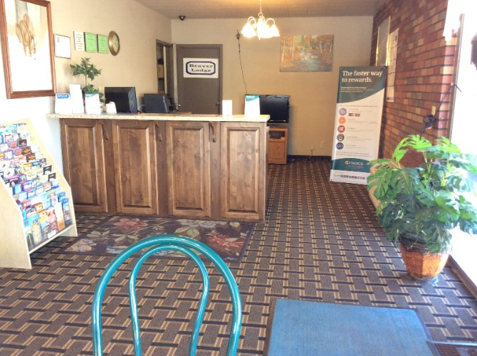 Breakfast And Front Desk Area 4 of 17