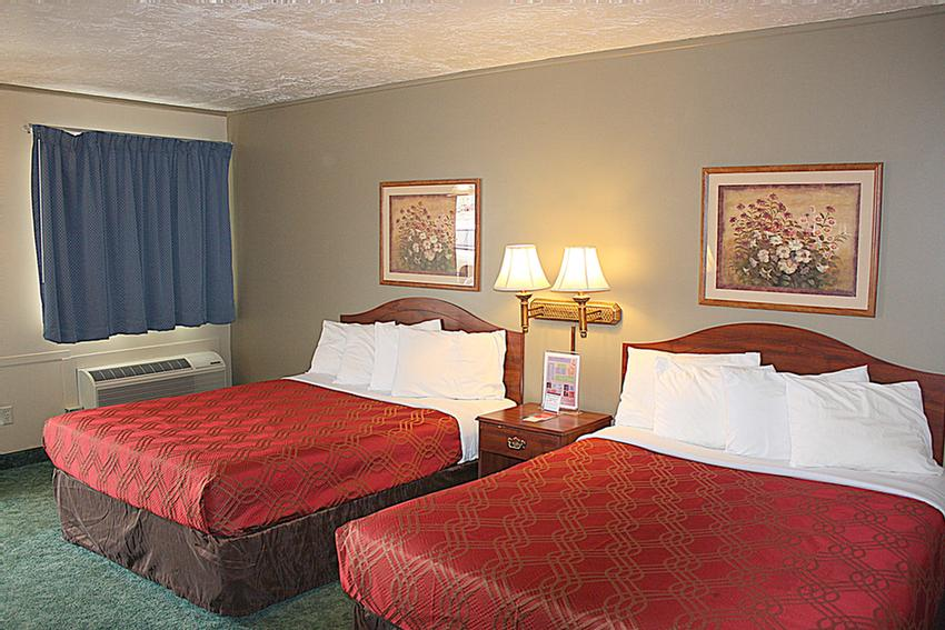 Queen Room With Two Queen Beds -Larger Than Typical Hotel Rooms 4 of 6