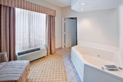 Relax In Our Spacious Whirlpool Room. 11 of 12