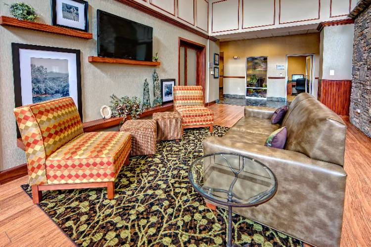 Lobby Seating 21 of 21