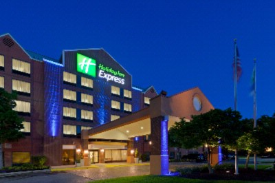 Holiday Inn Express BWI Airport West 1 of 8