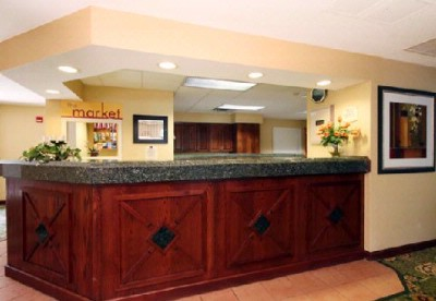 Front Desk 5 of 9