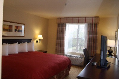 Your Guest Room Awaits You! With Fluffy Comfy Beds And Elecant Decor Our Guest Rooms Are Sure To Please! 4 of 17