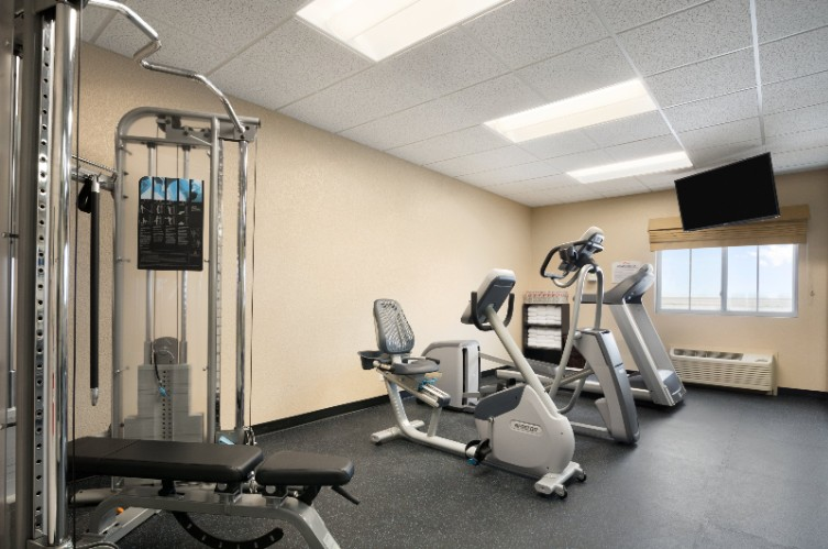 Fitness Center 4 of 18