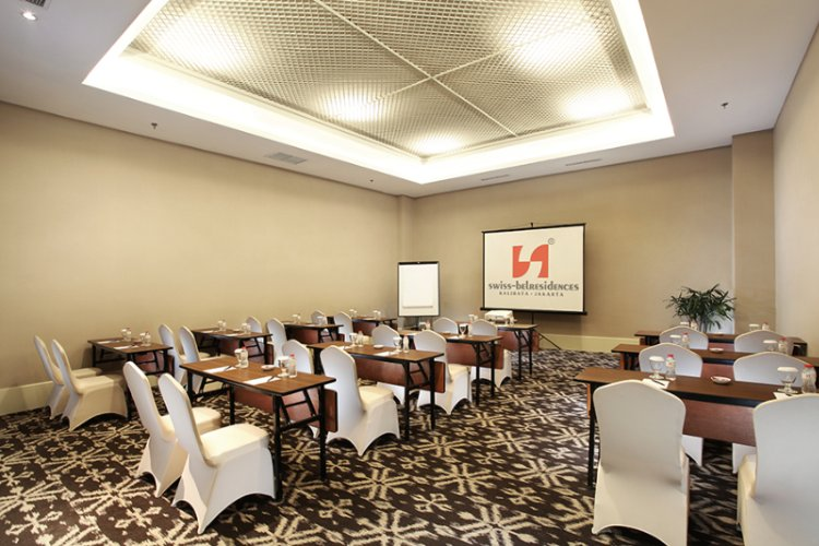 Meeting Room 8 of 16