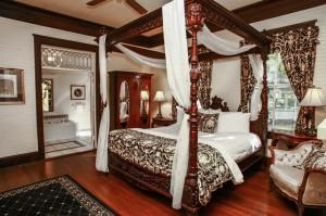 Honeymoon Suite 6 of 8