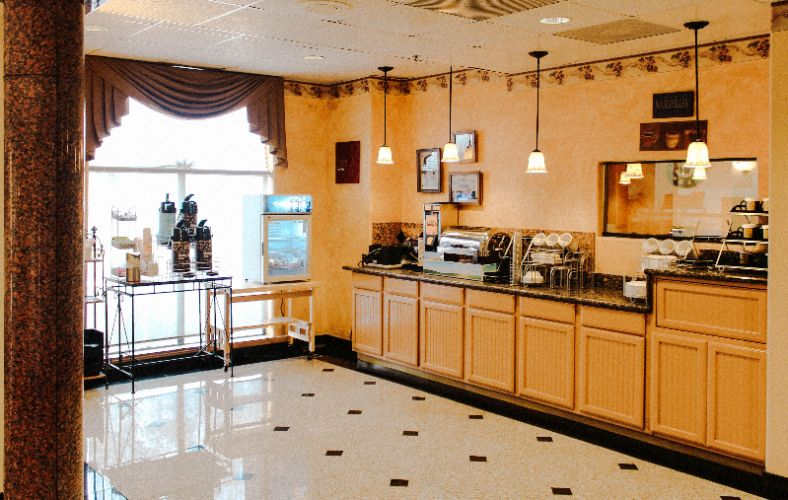 Comfort Suites Near Nrg And Texas Med Center Offers Complimentary Breakfast Daily 4 of 5