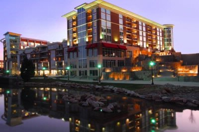 Hampton Inn & Suites Greenville Downtown Riverplac 1 of 6