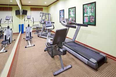 Fitness Center 10 of 15