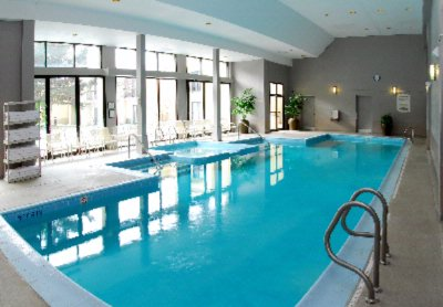 Relax And Enjoy Our Large Swimming Pool And Whirlpool With Access To Our Outdoor Patio Gardens. 5 of 9
