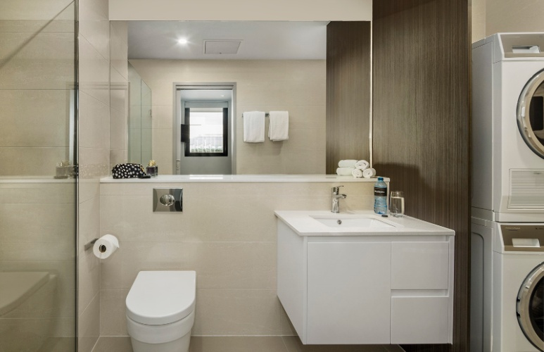 Apartment Bathroom & Laundry Facilities 10 of 18