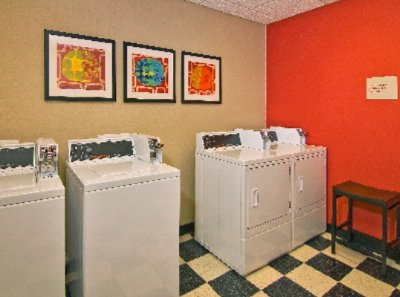 Convenient Laundry Facilities 6 of 9