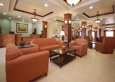 Spacious Lobby With Sitting Area 8 of 11