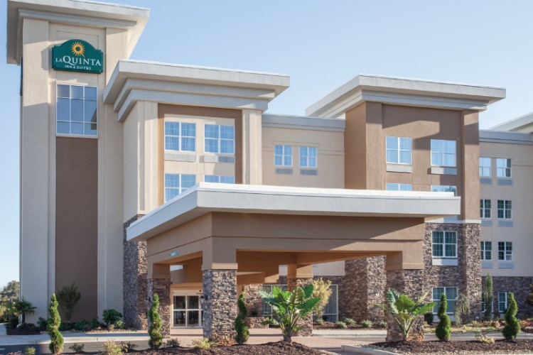 La Quinta Inn & Suites Forsyth 1 of 13