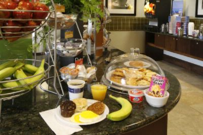 Complimentary On The House Tm Hot Breakfast 6 of 21