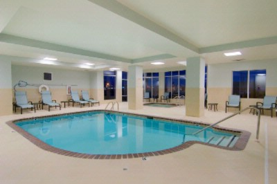 Indoor Pool & Hot Tub 6 of 9