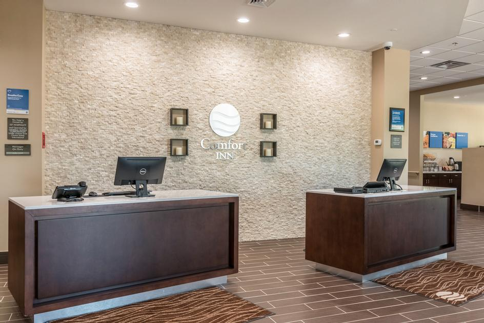 Front Desk 15 of 19