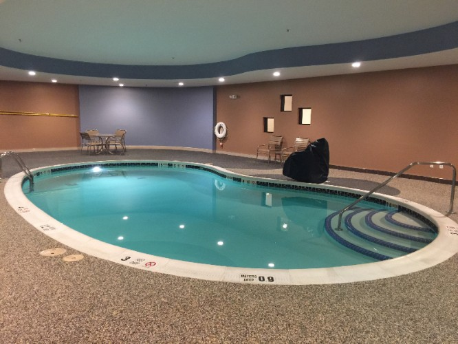 Indoor Swimming Pool 7 of 9