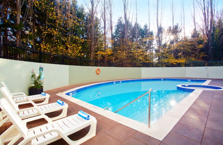 Outdoor Heated Pool 9 of 22