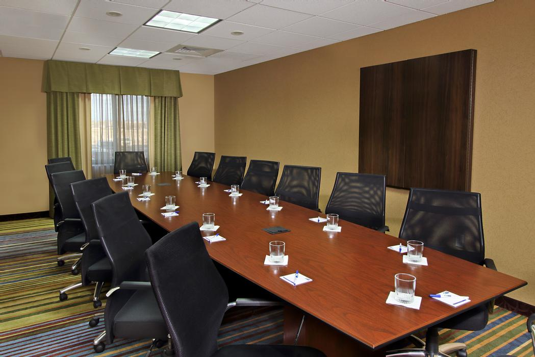 Well Equipped Boardroom! 3 of 5