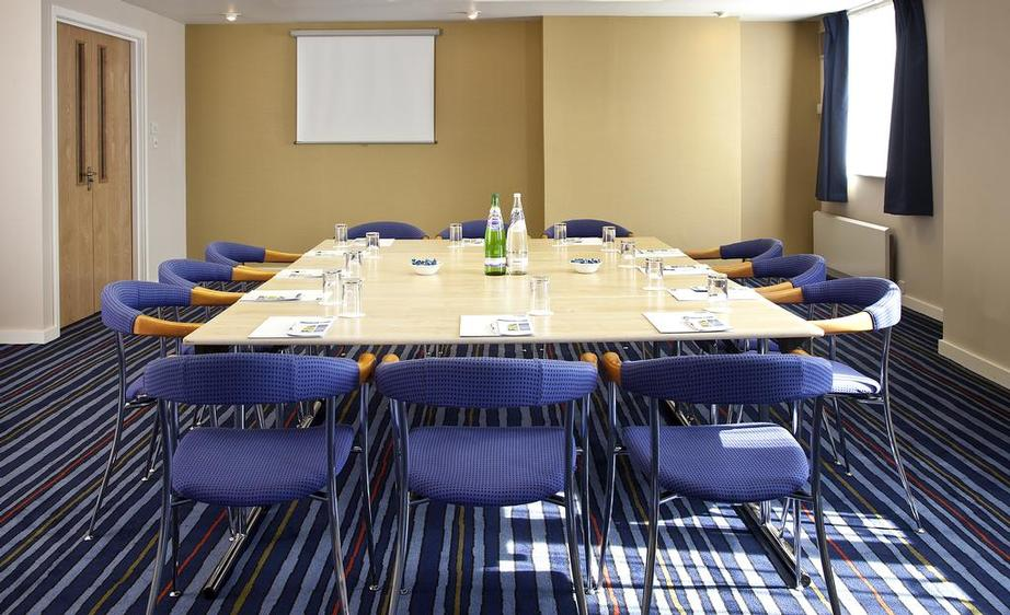 Conference Room 6 of 9