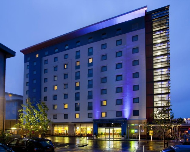 Holiday Inn Express Slough 1 of 10