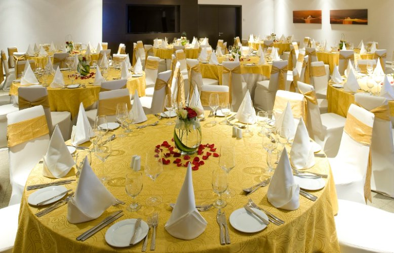 Salwa Ballroom -Round Tables 11 of 11