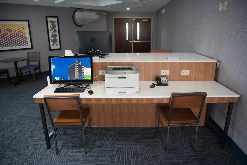 Business Center 9 of 23